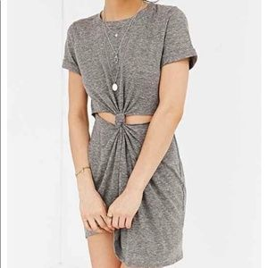 Honey Punch Urban Outfitters Gray Dress - Small